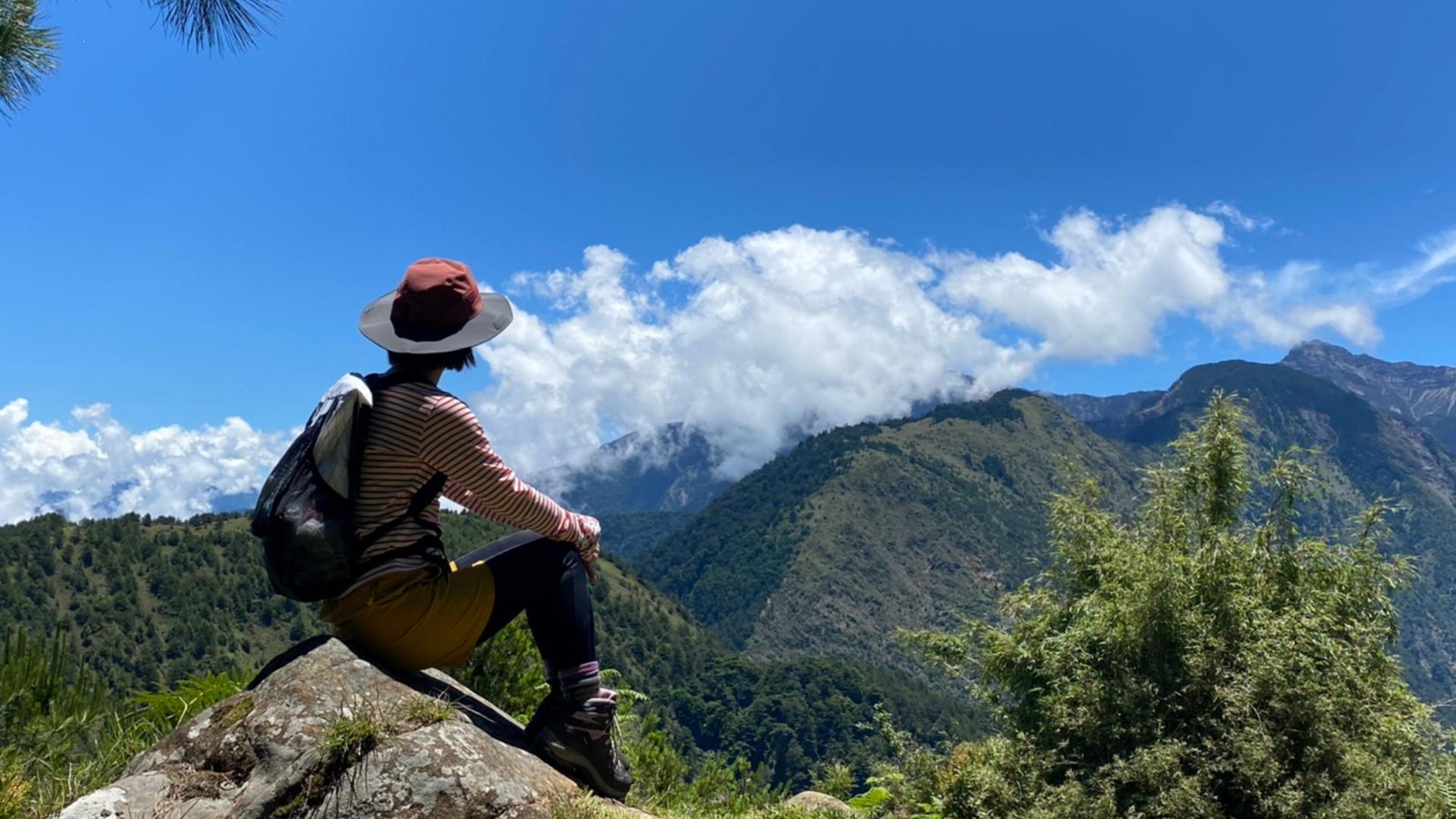 東埔山莊-遙望群山